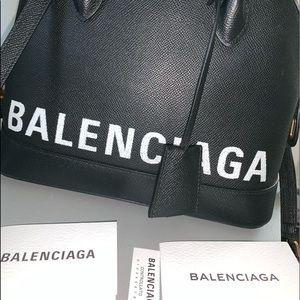 Balenciaga xxs ville top handle...only used 3x.NEW